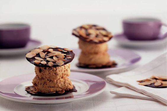Espressomousse met chocoladewafeltjes - Recept - Allerhande