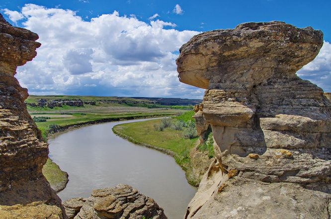 A beautiful view of the Milk River from the Hoodoo Trail, Writing-on-Stone Provincial Park