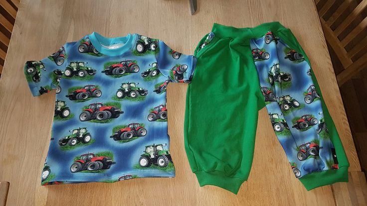 Bukser og t-shirt i jersey. T-shirt mønster fra Ottobre, bukserne er noget hjemmebiks