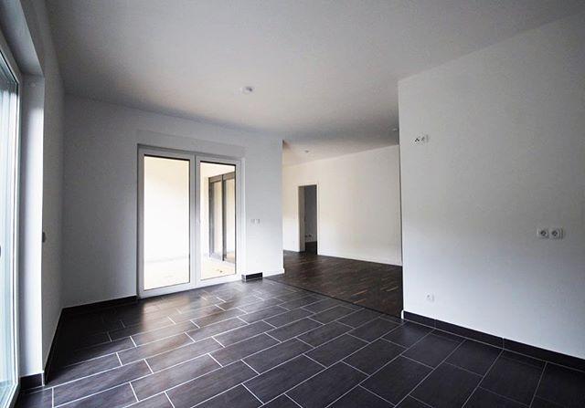 | ERSTBEZUG • 3 ZIMMER • TAGESLICHTBÄDER • BALKON ODER TERRASSE • PARKETT • FUSSBODENHEIZUNG • LIFT • STELLPLATZ • AB SOFORT | #apartment #archilovers #architecture #architecturelovers #architektur #arquitectura #cooking #cuisine #dreamhome #homedecor #homedesign #immobilien #interiordesign #interiors #kitchen #kitchendesign #küche #leipzig #living #livingroom #luxury #luxuryrealestate #modern #property #realestate #realestateagent #realestatelife #realtor #wohnung #wohnzimmer #localrealtors…