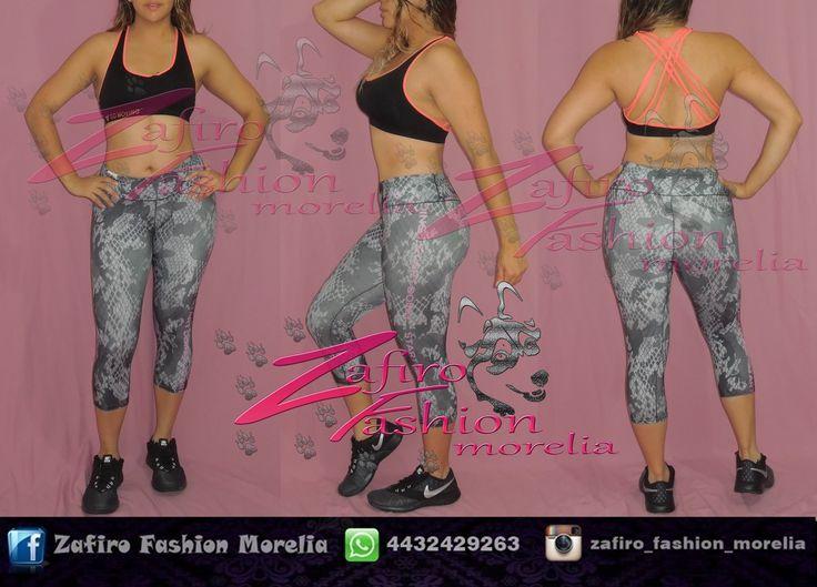 Top deportivo negro de tiras en espalda color coral cruzado marca gala, capri deportivo colombiano marca gala estampado de serpiente y teni nike negro. encuentra este outfit y marcas asi como mas modelos solo con nosotros CONTACTANOS  ♥ pagina de facebook www.facebook.com/Zaf.girl/  ♥ Instagram @zafiro_fashion_morelia  ♥ Modelo instagram @stephy_viveros  ♥ whats: 4432429263  #zafirofashionmorelia #ilovezafiro #GalaSport #TopNegro #TopDeportivo #TopTiras #Conjuntodeportivo #Nike #LicraGris…