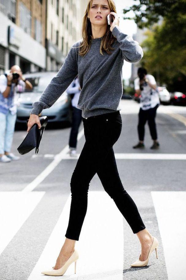 Porter le Jean noir aevc des escarpins couleur nude