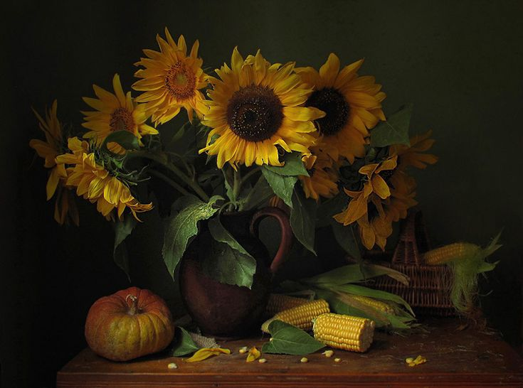 #still #life #photography • photo: Натюрморт с подсолнухами | photographer: Марина Филатова | WWW.PHOTODOM.COM