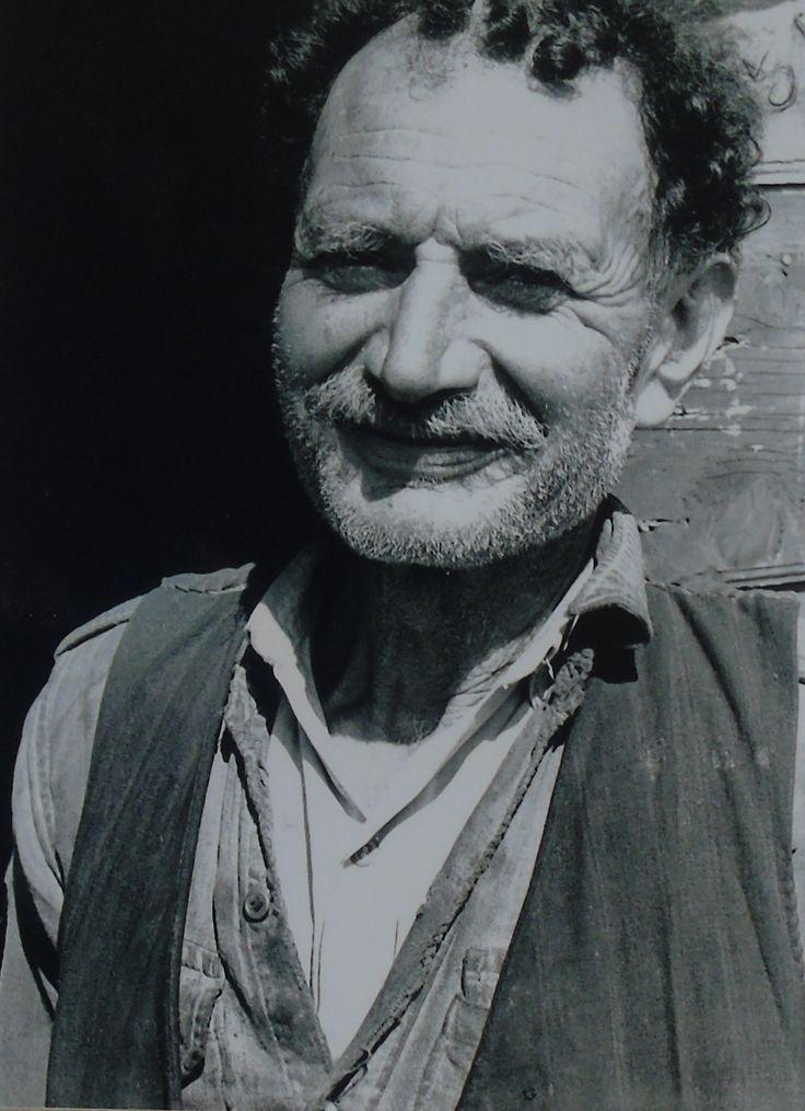 Ο Ζώης από το Νικολή  Λευκάδας Fritz Berger «Λευκάδα Άνθρωποι και Τοπία» και «Λευκάδα ένα ταξίδι στο χρόνο».