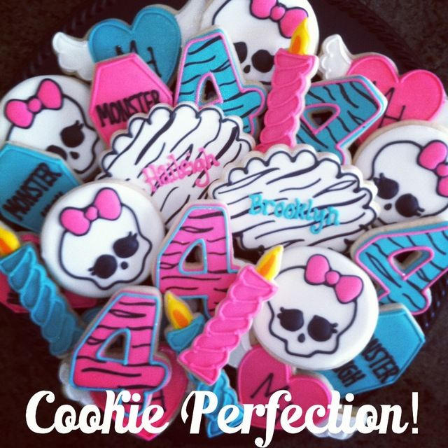 Cookies at a Monster High Party #monsterhigh #partycookies