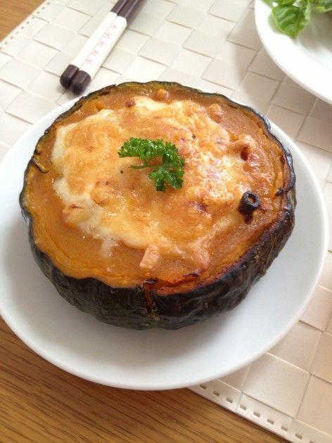 ハロウィンに♪かぼちゃのまるごとグラタン by AtsukoCafe [クックパッド] 簡単おいしいみんなのレシピが219万品