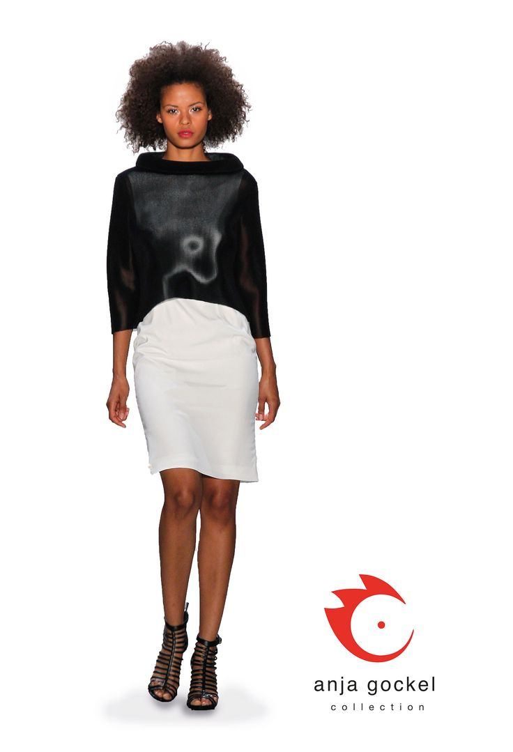 Very simple and pure outfit. The white cotton stretch shift dress combines nicely to that turtle neck 3d mesh net sweater and adds a progressive touch to the ensemble.