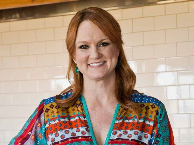I got: Ree Drummond should cook you dinner tonight!! Which Food Network Chef Should Cook You Dinner Tonight?