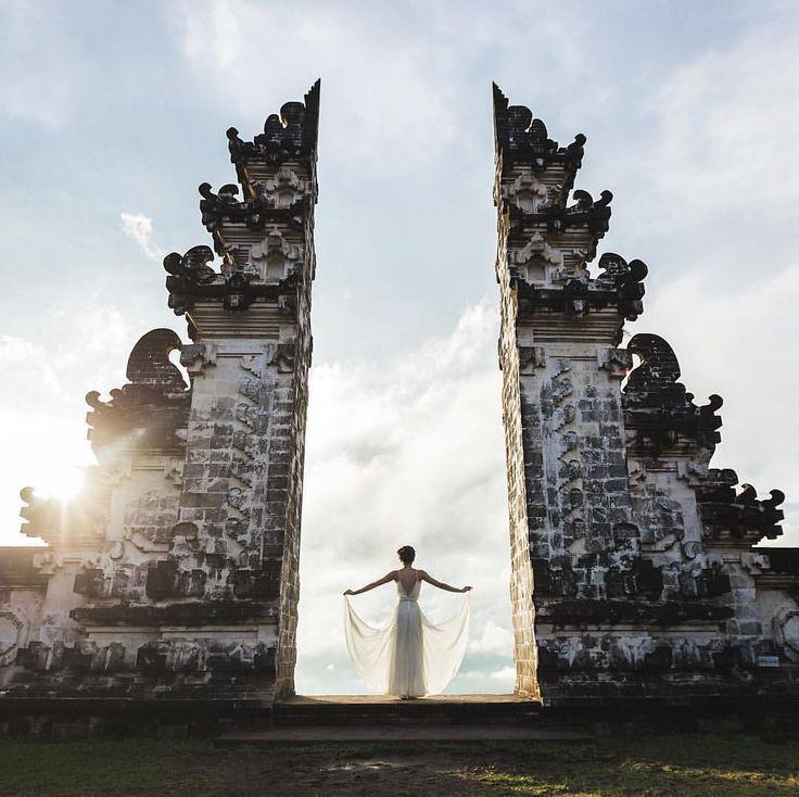 One of the most photogenic Cultural spot in Bali Has to be Pura Luhur Lempuyang, Karangasem! Glad to see @breslavtsev enjoying it,   #Bali #liburankebali #visitbali #pesonaindonesia #exporebali #explorenusantara #indonesia #livefolkindonesia