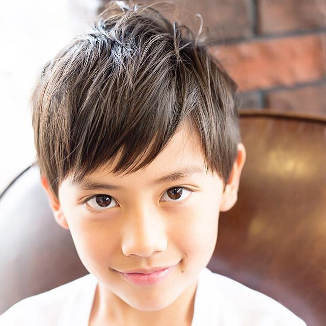 キッズヘアカタログ 男の子のトレンドの髪型をご紹介します 子供