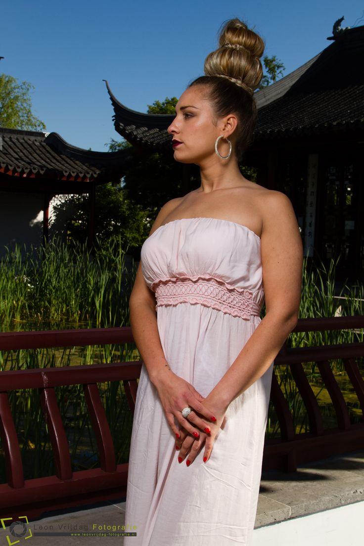 Trendy Bruid, Voor de bruid die lef heeft. Leon Vrijdag Photography, model: Susana Machado. Haarstyling en Visagie by Trendy Haar, verzorgd ook jouw haarstyling en bruidsvisagie als je gaat trouwen, een feest hebt of als je gewoon mooi wilt zijn