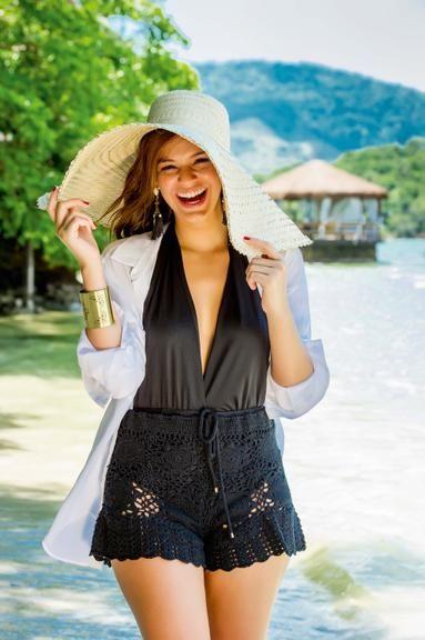 Bruna Marquezine nega fim de namoro com Neymar e comenta volta ao horário nobre