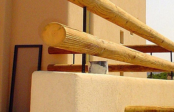 גדר עץ עגול