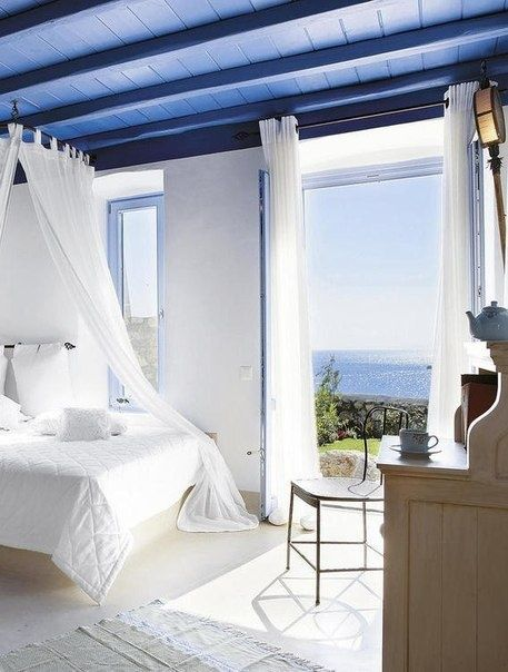 blue ceiling & view #bedroom - Liked by www.deliciousdecors.com #homestaging