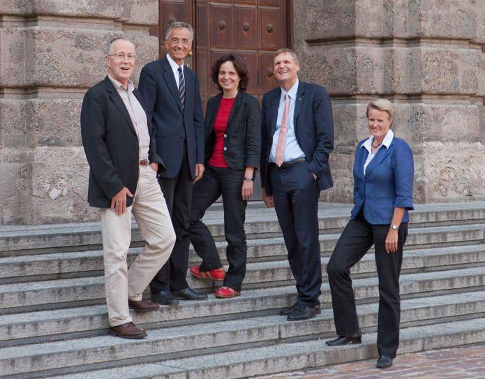 RektorInnenteam 2012-2016 v.l.: o.Univ.-Prof. Dr. Roland Psenner, Univ.-Prof. Dr. Dr. h.c. mult. Tilmann Märk, Univ.Prof. Dr.-Ing. Anke Bockreis, Ass.-Prof. Mag. Dr. Wolfgang Meixner und Univ.-Prof. Dr. Sabine Schindler