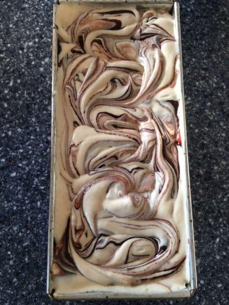 Arabafelice in cucina!: Gelato furbissimo al burro di arachidi variegato al cioccolato, senza gelatiera!
