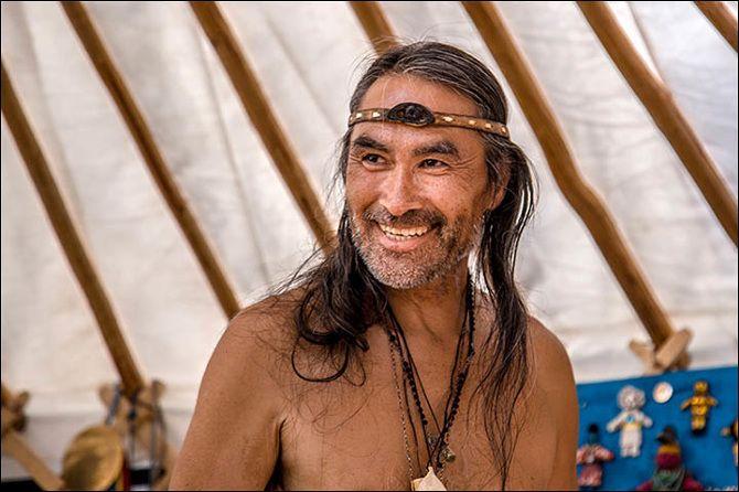 Chamans : L' appel de 13 chamans est un festival de quatre jours où shamans de tous les coins du monde se rassemblent près du village de Khorum-Dag