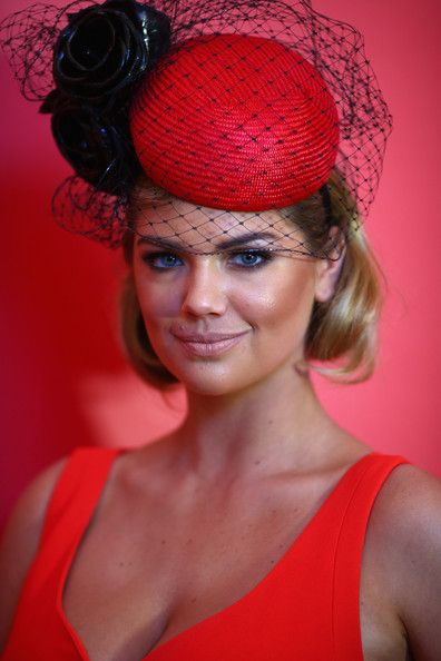 Kate Upton chose to wear Nerida Winter as she enjoyed Melbourne Cup at Flemington Racecourse. #passion4hats