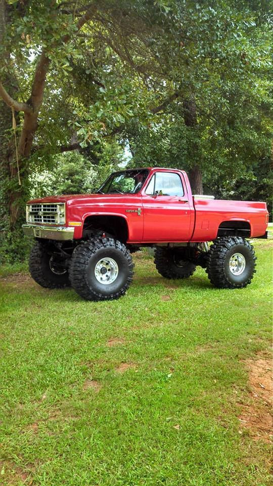 27 best images about jacked up trucks on pinterest chevy 4x4 off road and chevy trucks. Black Bedroom Furniture Sets. Home Design Ideas