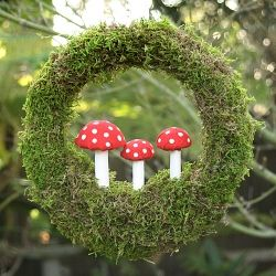 This moss wreath, complete with toadstools, is perfect for the lover of all things shrooms