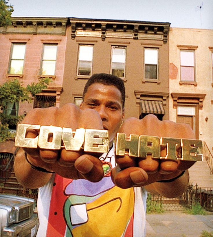an analysis of the movie do the right thing by spike lee Keywords: do the right thing analysis essay 'do the right thing' is one of the best films made by writer, director, producer, and star spike lee in 1989, which.