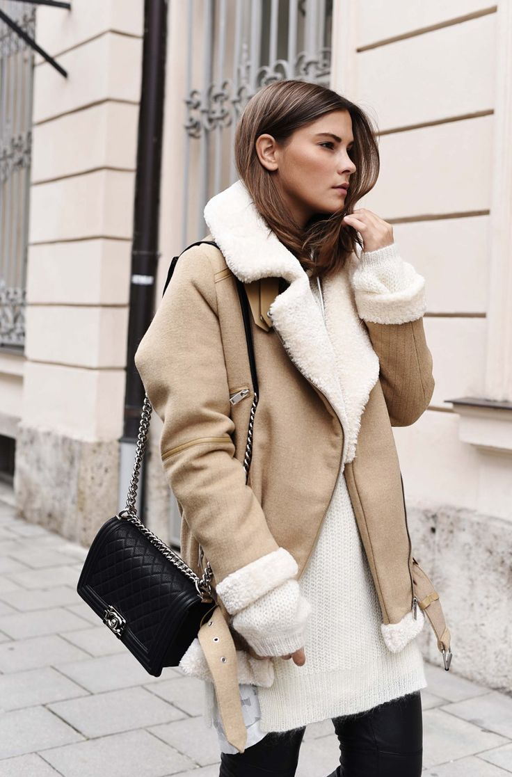 FASHIIONCARPET.COM  Chanel Boy Bag