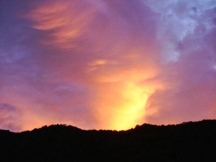 sunset, silhouette, scenics, tranquil scene, beauty in nature, sky, tranquility, nature, cloud - sky, idyllic, orange color, landscape, dramatic sky, cloud, majestic, mountain, dark, outdoors, no people, non-urban scene