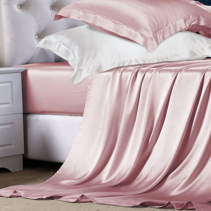 This Silk Sheet Set (Premium) is made of high quality Mulberry Silk which has many advantages for both skin and body. The protein content in it can make your skin become softer than ever.