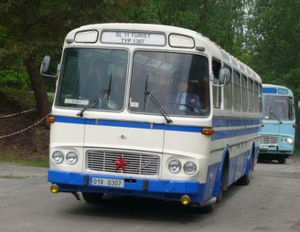 Autobusy Lešany 2010   Staré náklaďáky