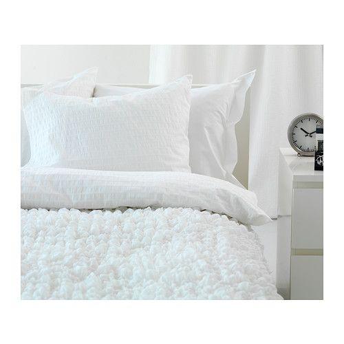 #myIKEAbedroomOFELIA VASS Dekbedovertrek met 2 slopen - 240x220/50x60 cm - IKEA Wit beddengoed ziet er altijd fris uit, de extra sprei zorgt voor zachtheid en textuur.