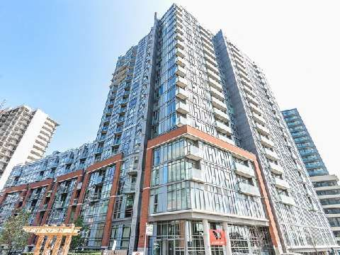 NEW PRICE!! Steal for this price. Not your grandma's average condo. This one's got pizazz!  150 Sudbury St MLS®-C3003240 for Sale | RE/MAX