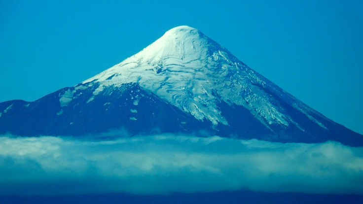 Volcano Osorno, picture taken from Bordemundo Bed & Breakfast Beach #osorno #volcano #llanquihue #bordemundo #puertovaras