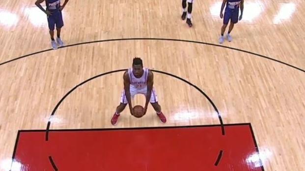 NBA rookie Chinanu Onuaku stuns with successful underarm free throws - Basketball News | NBA