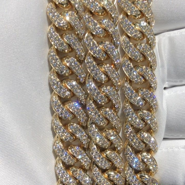 Official Treasures Jewelry On Instagram Miami Cuban Link Diamond Chain Available In Yellow Gold White G Mens Jewelry Necklace Diamond Chain Treasure Jewelry