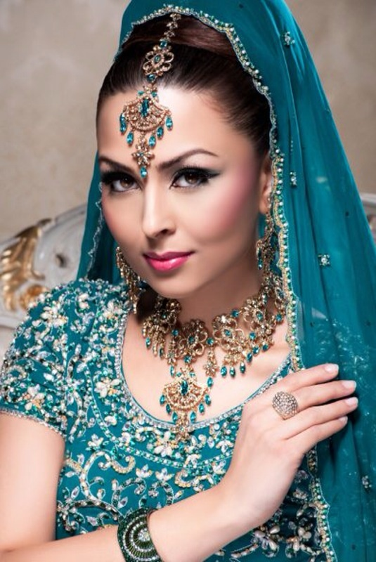 #jewelry. Blue Lengha & jewelry. indian fashion
