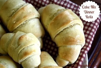 Mommy's Kitchen - Country Cooking & Family Friendly Recipes: Cake Mix Dinner Rolls perfect for Thanksgiving.