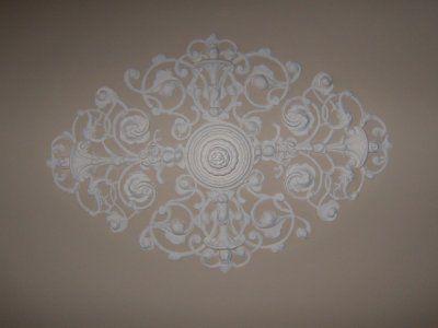 1000 id es sur le th me rosace plafond sur pinterest for Rosace plafond design
