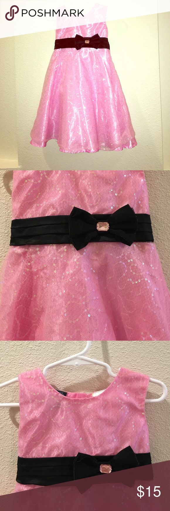 Gorgeous pink sparkly dress Gorgeous Sparkly/sequence dress.                                     Size - 2t.    Brand - So La Vita.    Condition - good pre-owned condition.     Pet/smoke free home.                       *please message me if you have any questions, we try to ship items the same day as purchased. so La Vita Dresses Formal