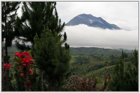 MOUNT APO, THE HIGHEST PEAK IN THE PHILIPPINES LOCATED IN COTABATO.