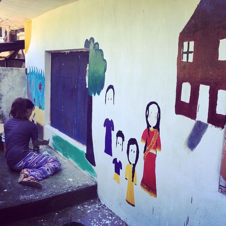 #Our volunteer in #India Volunteer Adventure program drawing Murals on the school walls and giving the school a whole new look which attracts #children during her second week placement in an orphanage in Palampur.  #VolunteerTravel programs gives volunteer the opportunity to work and #experience various types of projects including childcare #teaching and #wildlife conservation and also the opportunity to travel across cities so you can see a lot new things and experience the life of local…