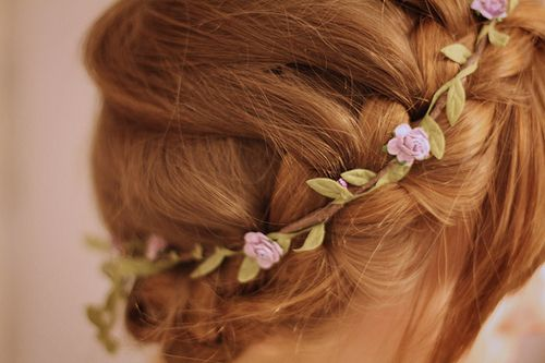 floral braid    #braid: Hair Flowers, Hair Design, Red Hair, Flowers Girls, Hair Style, Crowns Braids, Bridal Flowers Crowns, Braids Hair, Floral Crowns