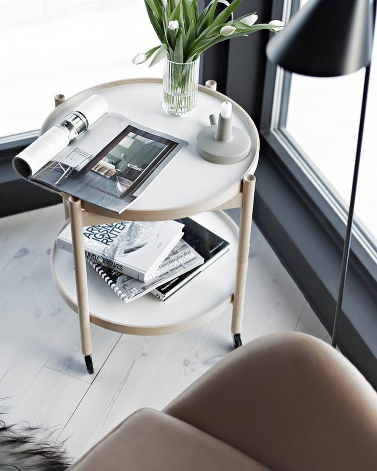 """""""Style is a way to say who you are without having to speak"""" How do you style your tray table? Tag and show your style. Picture and styling by @stylizimoblog #bøllingtraytable #hansbølling #interiordesign #brdrkruger #stylizimoblog #madeindenmark #scandinaviandesign"""