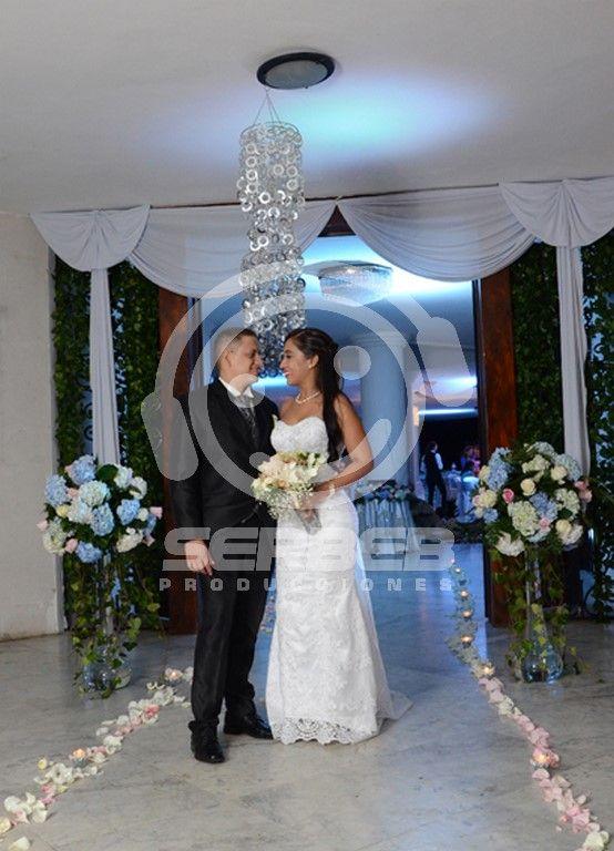 Organizamos Matrimonios en toda la Ciudad de cali, Salones Campestres y Cerrados, solicita una cotización al Telefóno 4858851 en Cali