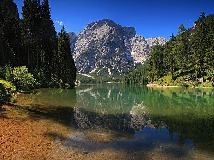 Pragser Wildsee / Lago di Braies - Bolzano, Terentino-Alto Adige, Italia (IT) / por Uwe Müller en 500px