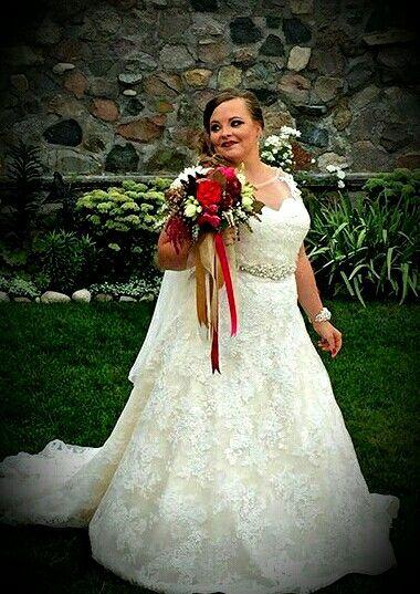 I so love her dress .....  Catelynn lowell from teen mom og