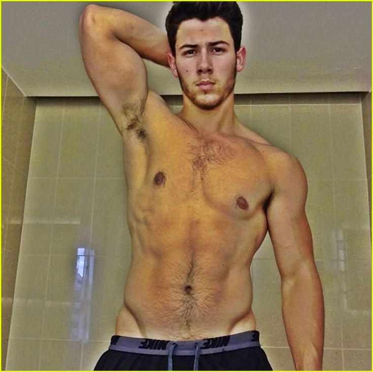 nick jonas shares shirtless selfie on snapchat 02