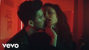 Music video by Sebastián Yatra performing Traicionera. (C) 2016 Universal Music Latino http://vevo.ly/mg4ziP
