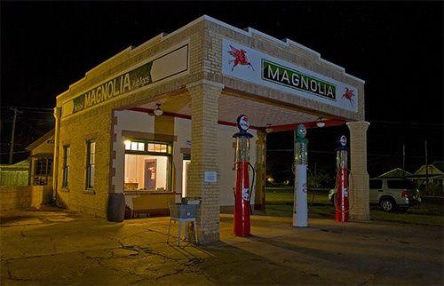 Magnolia gas station, Shamrock Texas Route 66