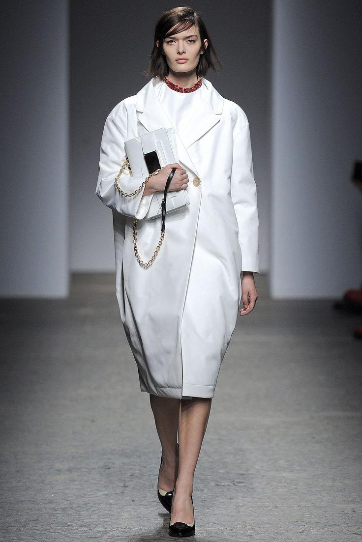 No. 21 Fall 2013 Ready-to-Wear Fashion Show - Sam Rollinson