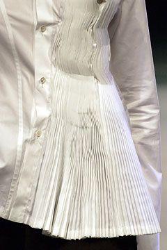 Yohji Yamamoto Spring 2005 Ready-to-Wear - Details - Gallery - Style.com